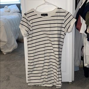 Lulu's T-Shirt Black/White Striped Dress